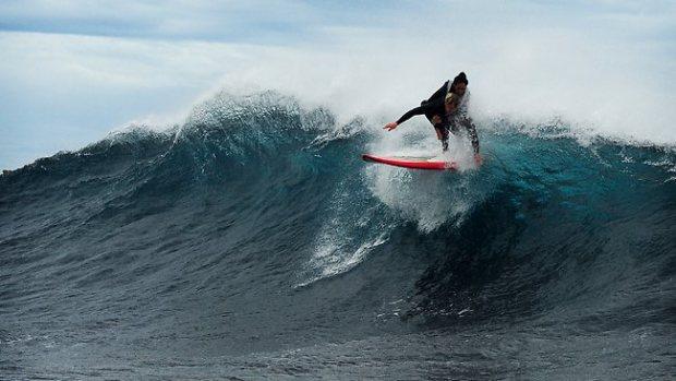 041613-paraplegic-surfing