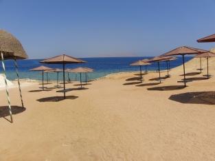 la-playa-del-mar-rojo-wallpapers_16086_2560x1920