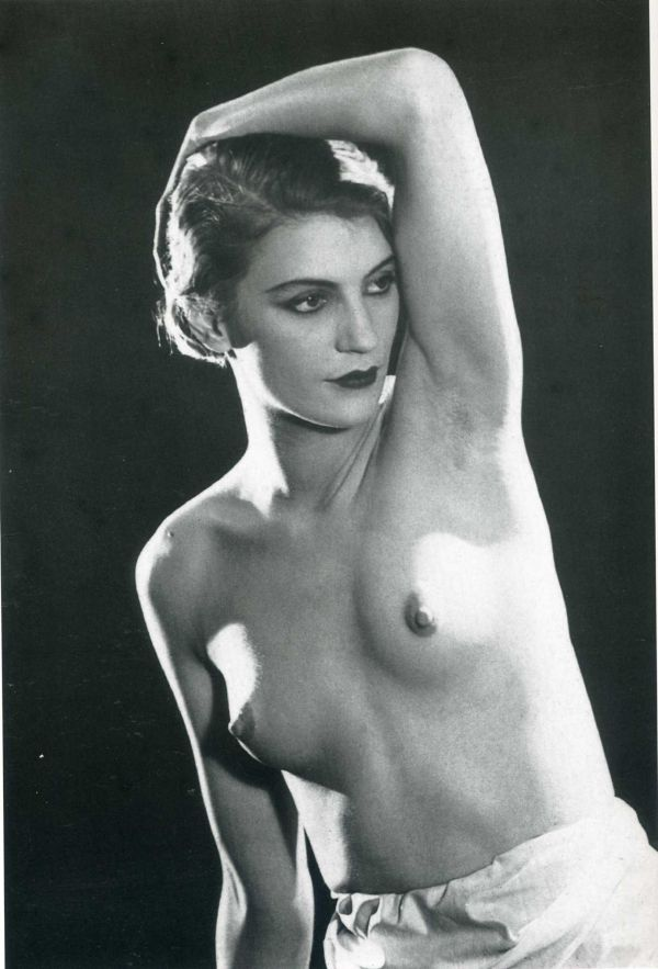 lee-miller-1930-man-ray-1363511075_b